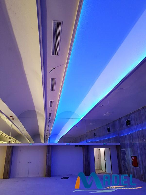 led-azul-techo